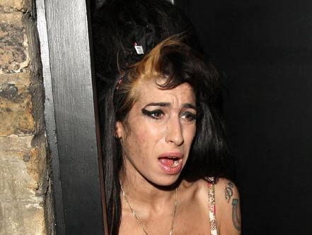 Morre Amy Whinehouse