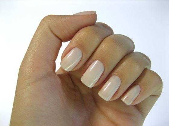 Como pintar as unhas corretamente
