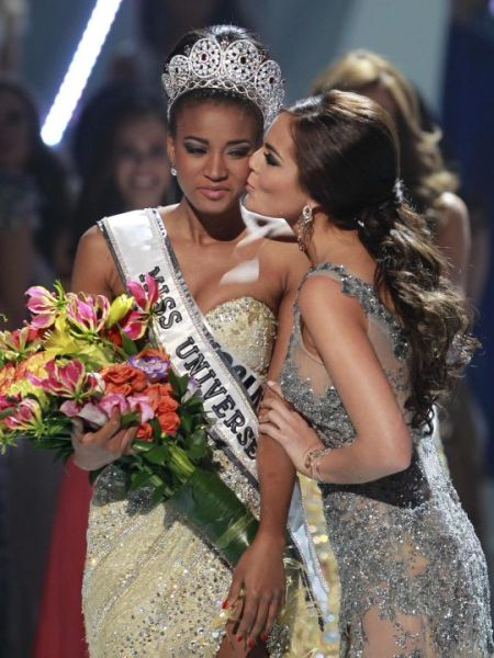 Fotos de Leila Lopes Miss Universo 2011